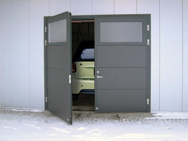 Надежные секционные ворота от компании