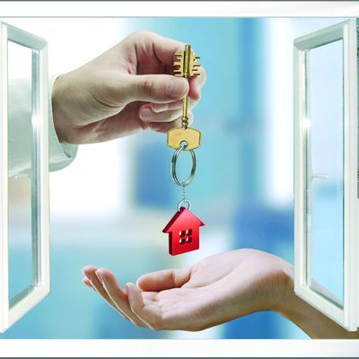 Какими преимуществами обладает дарение квартиры после смерти?