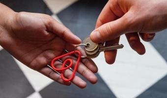 Можно ли сдавать квартиру, купленную по военной ипотеке: имеет ли (может ли) право военнослужащий предоставлять в аренду недвижимость, взятую по программе льготного жилищного кредитования?
