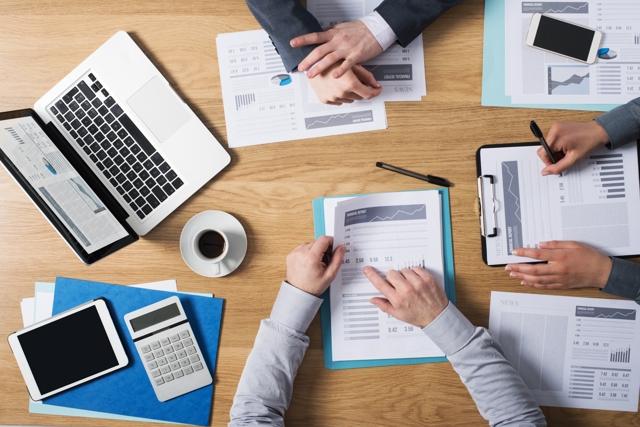 Должен ли ЖСК проводить обязательный аудит: образец отчета ревизионной комиссии, должна ли предупреждать о проверке проверяющая организация, а также как проверить?