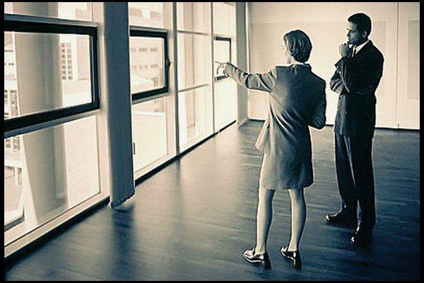 Аренда квартиры под офис: можно ли сдавать, особенности помещений на 1 этаже, а также образец договора для физического и юридического лица