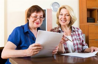 Дарение квартиры близкому родственнику: необходимые документы и последствия сделки