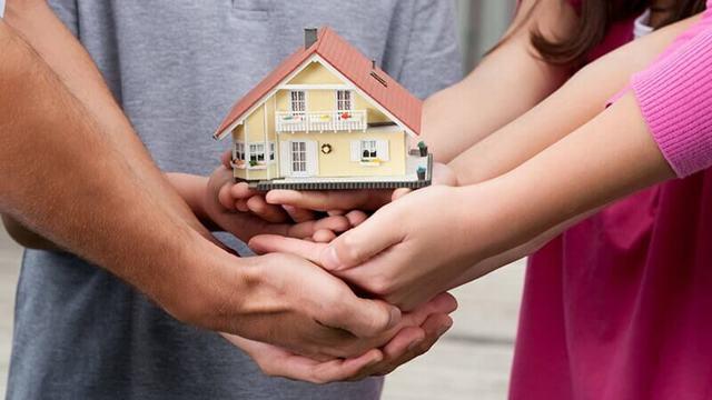 Оставить квартиру в наследство детям, теперь не позволяет закон: так ли это на самом деле и если нет, то как сделать и составить договор наследования, а так же передать права на жилую площадь следующему поколению