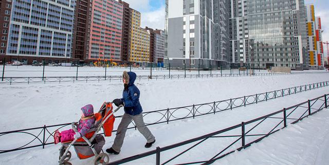 Со скольки лет можно снять квартиру на сутки, а также в каких случаях собственники могут сдать жилье в аренду несовершеннолетним 14, 16 и 17 лет?