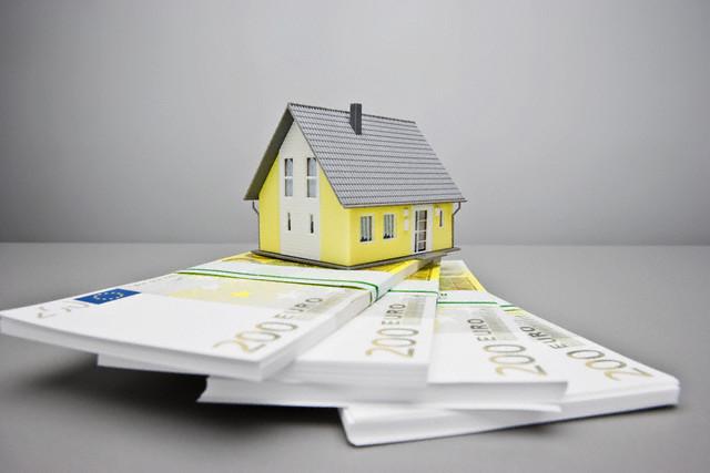 Оценка недвижимости сравнительным подходом: что это за метод, в каких случаях относительный анализ эффективен, а также этапы его выполнения и условия, при которых возможен отказ от него