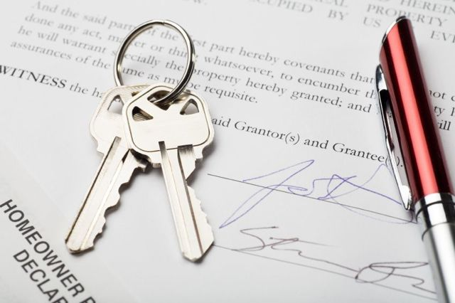 Регистрация договора аренды квартиры: как правильно заключить, когда надо официально оформить для жилого помещения, а также и варианты продления соглашения и его оплаты