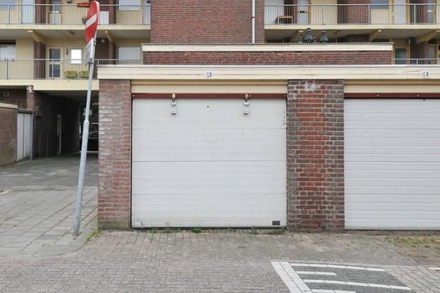 Оформление гаража в собственность в гаражном кооперативе: как оформить, порядок осуществления процедуры в ГСК, как узаконить покупку, исковое заявление о праве собственности, признание его на металлический гараж и как его переоформить?