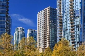 Можно ли осуществить покупку квартиры с прописанными людьми?