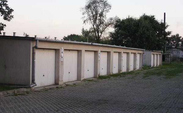Как приватизировать гараж в гаражном кооперативе при отсутствии права на землю: нужно ли делать приватизацию, сколько это стоит, а также какие документы для этого необходимы?