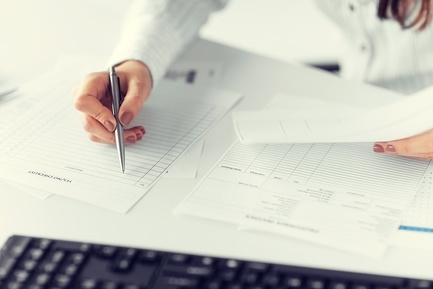 Бухгалтер ТСЖ: обязанности, в том числе и главного, информация для начинающих о работе бухгалтерии, образец должностной инструкции и отзывы