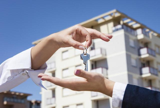 Какие документы нужны для аренды квартиры (чтобы снять или сдать жилье на длительный срок), что делать, если есть не все бумаги для составления договора найма для сдачи недвижимости, когда это становится поводом обратиться к специалистам?