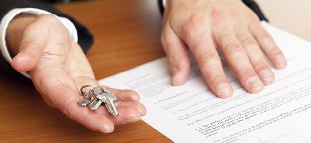 Квартира не приватизирована: кто имеет право на наследство, а также как происходит наследование муниципальной недвижимости по закону и как вступить во владение при отсутствии прописки