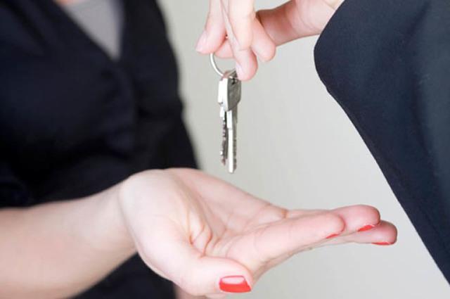 Незаконная сдача квартиры в аренду: ответственность, штрафы. Что, если сдать жилье без регистрации и заключенного договора аренды? Есть ли горячая линия?