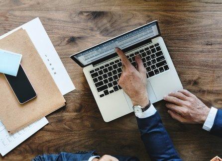 Как узнать о задолженности по ЖКХ в интернете: как проверить долги по фамилии и посмотреть задолжености на Госуслугах?