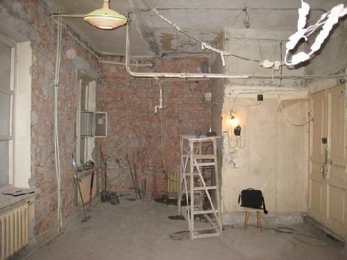 Перепланировка квартиры: что можно, а что нельзя, то есть что запрещено делать при переустройстве жилья и в каких случаях эта возможность окажется незаконной?