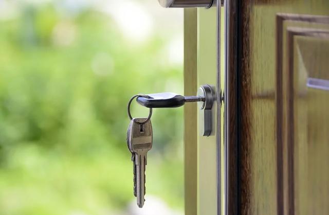 Снять квартиру без договора или сдать в аренду - это риск для обеих сторон, но можно ли его избежать, если знать заранее, что за это будет?