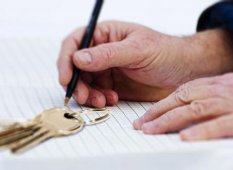 Дарение квартиры внуку: преимущества и риски