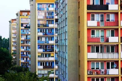 Территория ТСЖ: что это за понятие, какое оборудование и недвижимость (квартиры, нежилые помещения), находящиеся на придомовом земельном участке, являются на правах собственности общим имуществом товарищества и подлежат правильному их содержанию?