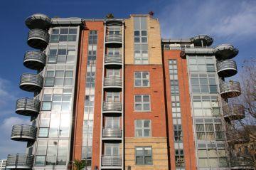 Выписка из квартиры в « никуда». Как избежать штрафов?