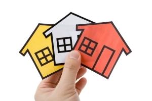 Оценщик недвижимости: как стать независимым экспертом по оценке ущерба от залива квартиры, сколько зарабатывает и что он делает, цена услуги, где и как найти, а также электронный справочник государственного кадастрового специалиста