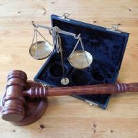 Выписка из квартиры по доверенности: необходимые документы и инстанции