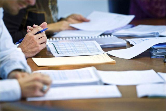 Регистрация договора аренды нежилого помещения: нужно ли и где регистрировать, порядок внесения в росреестр, стоимость госпошлины, а также вида аренды (долгосрочная, на неопределенный срок, аренда части помещения) и образец договора