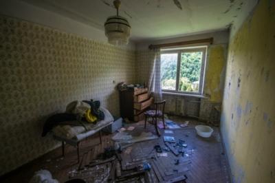 Сдать квартиру без ремонта: кто захочет снять недвижимость без отделки и мебели, а также что нужно указать в договоре аренды при оформлении сделки?